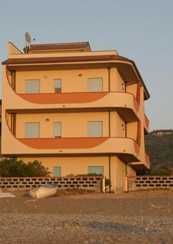 Foto prospetto esterno lato mare casa vacanze cd14 capo for Esterno casa mare