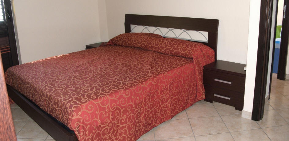 Foto camera da letto casa vacanze cd23 capo d 39 orlando for Subito case vacanze sicilia