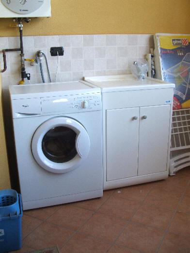 Foto lavanderia in terrazzo casa vacanze cd23 capo d 39 orlando - Lavanderia in casa ...