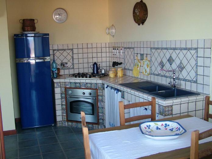 Foto Cucina in muratura casa casa vacanza a Capo d\'Orlando Codice CD28