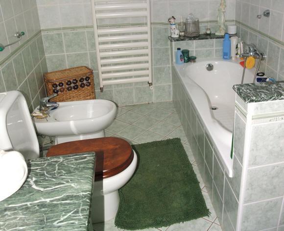 Bagno in mansarda presso la villa a capo d 39 orlando cod cd58 - Bagno la villa pinarella ...
