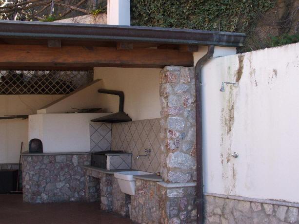 Foto doccia esterna pilozza e forna casa vacanza gioiosa marea cod gm01 - Doccia esterna giardino ...