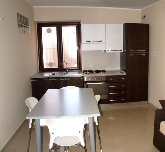 Cucina con divano letto 2 posti - Casa Vacanze a Gliaca di Piraino sul ...