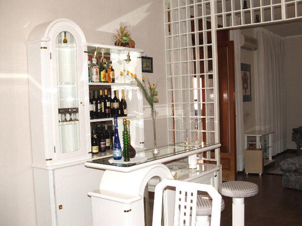 Foto angolo bar casa vacanza rc20 rocca di capri leone - Angolo bar a casa ...