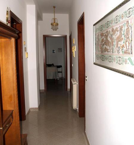 Corridoio appartamento in vendita a capri leone cod cl08vf for Casa in vendita con garage appartamento